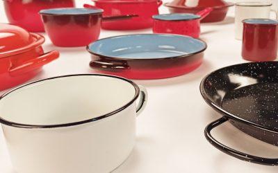 9 consejos para cuidar tus cacerolas y sartenes de acero esmaltado.
